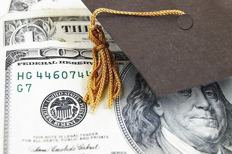 Parents: How to Talk Money with Your College Student