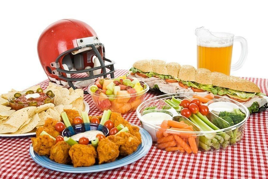 Throwing a Super Bowl Party on a Budget